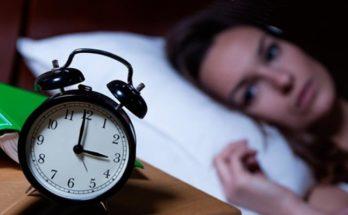 Как лечить бессонницу у женщин в домашних условиях